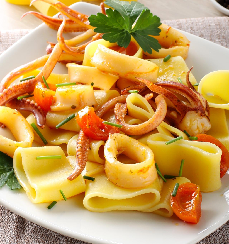 Paccheri al sugo di calamari - Ricetta GiorgioMare